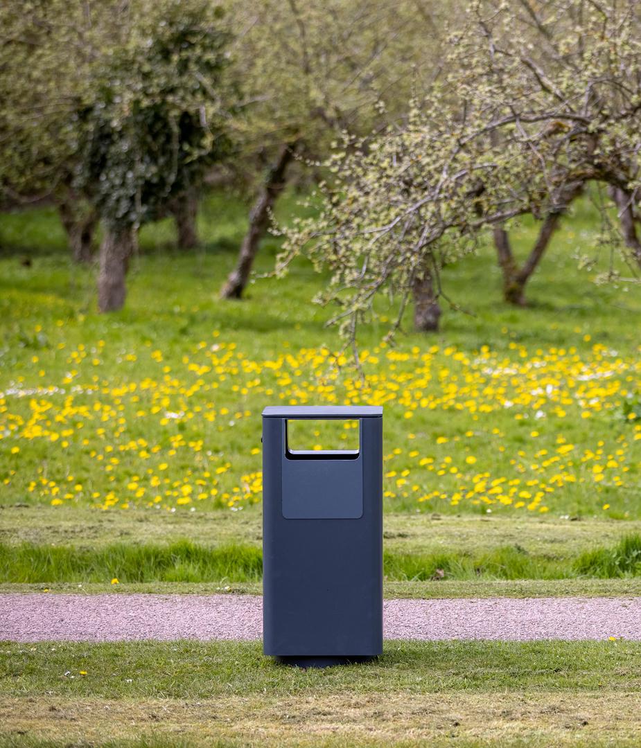 Abfallbehälter - Egedal II - als ganzes zu sehen